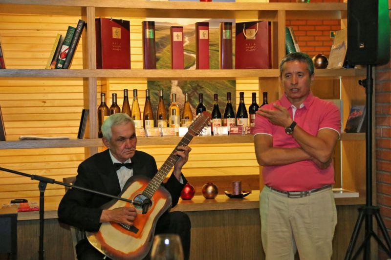 Творчеcкий вечер 3 мая в винотеке Arba Wine