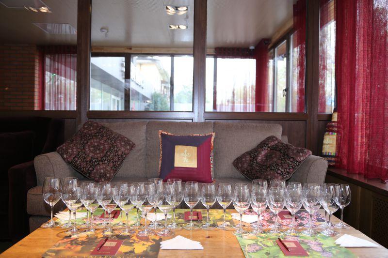 Дегустация в винотеке Arba Wine